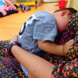 寝てる息子と妹